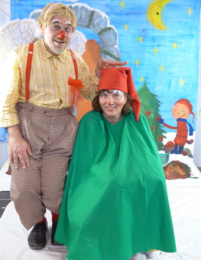 PS: Dieses Foto belegt eindeutig, dass Blümi eigentlich ein Zwerg und Tomtom ein Engel ist.